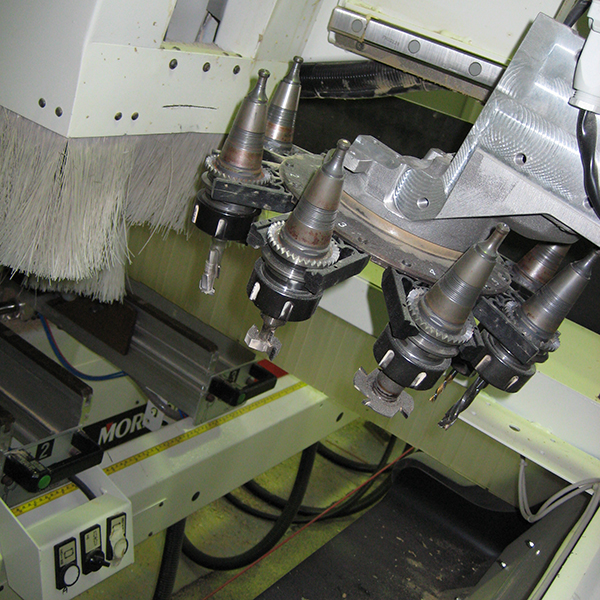 8 Head Router